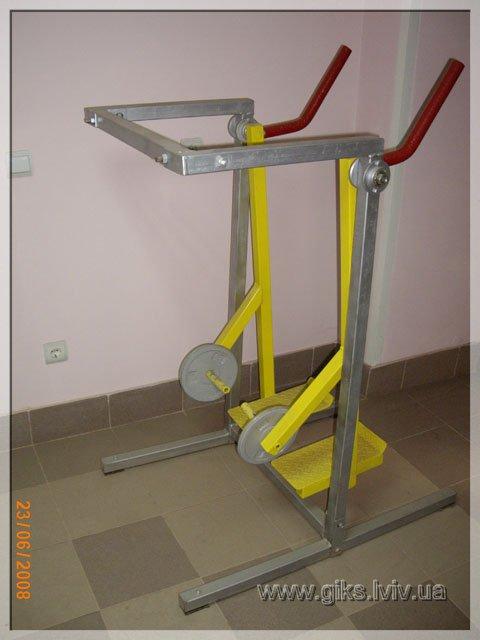 Тренажер для стимулювання тазо-стегнових м'язів